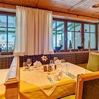 Restaurantbereich in einem Hotel